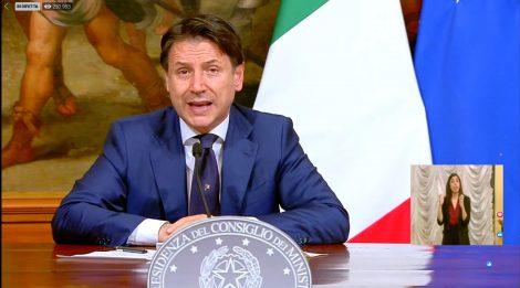 Conte annuncia il decreto Agosto nell'intervallo di Juve Lione - https://t.co/7FlsSl59XK #blogsicilianotizie