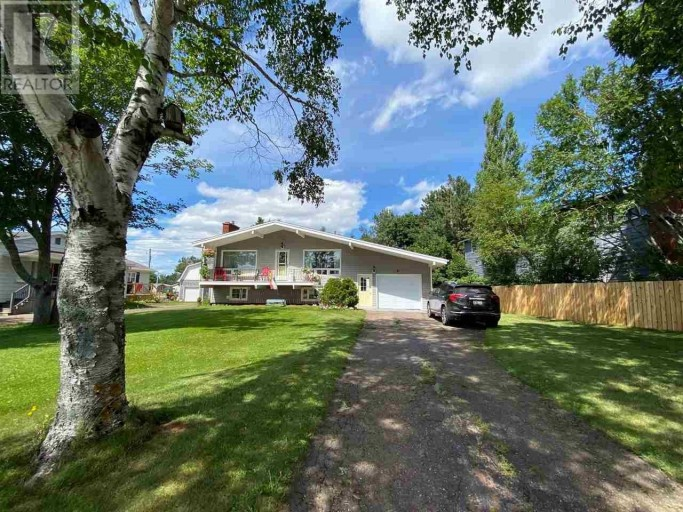 Hey Everyone, Happy Friday  We have a Listing of the Day for you in Summerside! 21 Glenn Drive is a beautiful home with a large private backyard and lots of updates, take a look! https://parkerrealty.ca/property/crea/21-glenn-drive-summerside-prince-edward-island/22198736/…pic.twitter.com/60VAgfLafY