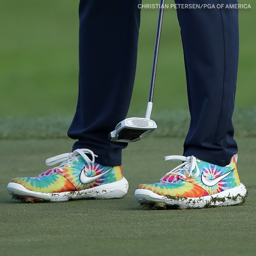 .@matthew_wolff5 spreading peace and love today ☮️ ❤️   #PGAChamp https://t.co/TPeiONVtby