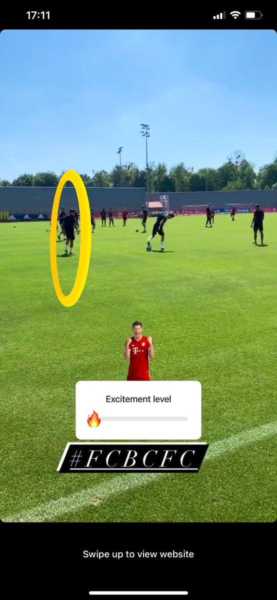How can he be at Colny when he's with Bayern pic.twitter.com/PBHNnHxKwt