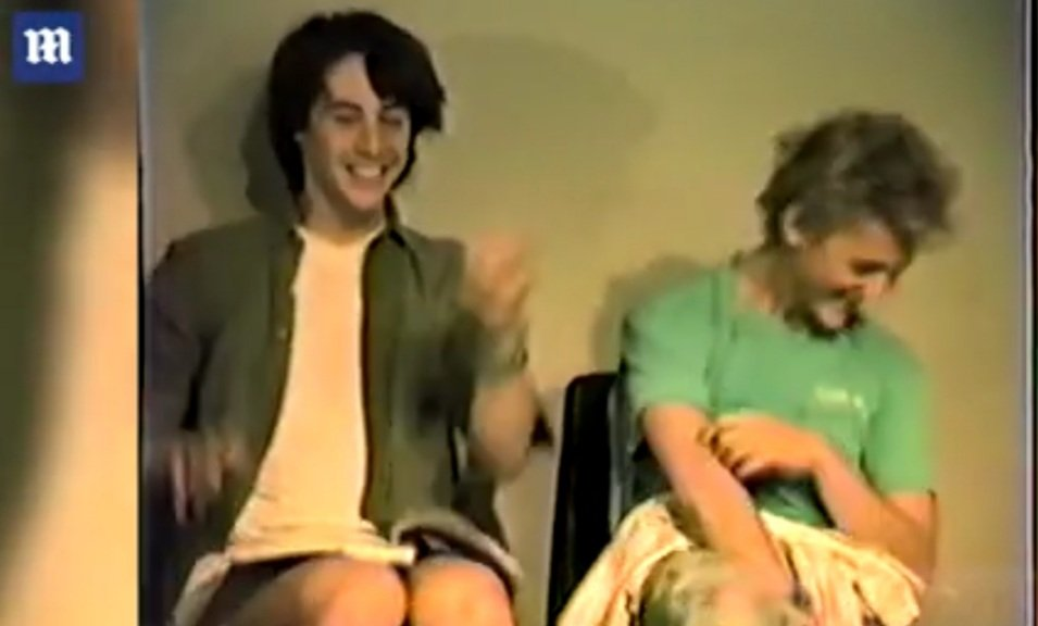 Never seen before audition of #keanureeves and #alexwinter for Bill and Ted  https://www.dailymail.co.uk/news/article-8596707/amp/Never-seen-audition-tapes-Bill-Teds-Excellent-Adventure-reveal-goofy-Keanu-Reeves.html?__twitter_impression=true…pic.twitter.com/n9dYFDxptV