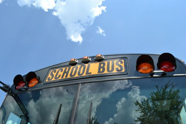 Minnesota to Invest Up to $3M in Electric School Buses: The VW mitigation settlement money will fund for one to two electric school bus pilots each in four regions of the state. https://t.co/rgUitwETIl https://t.co/n6ALHZhPiD