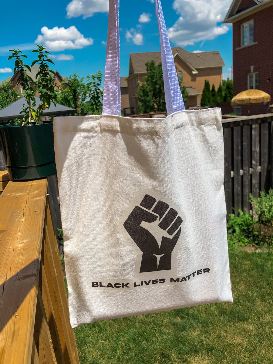 I sell handprinted #BlackLivesMatter tote bags on Etsy. $1 from every purchase is donated to the #BLM movement & Black community! https://www.etsy.com/ca/shop/Fearlessnomad …pic.twitter.com/eBfbxIaXPk