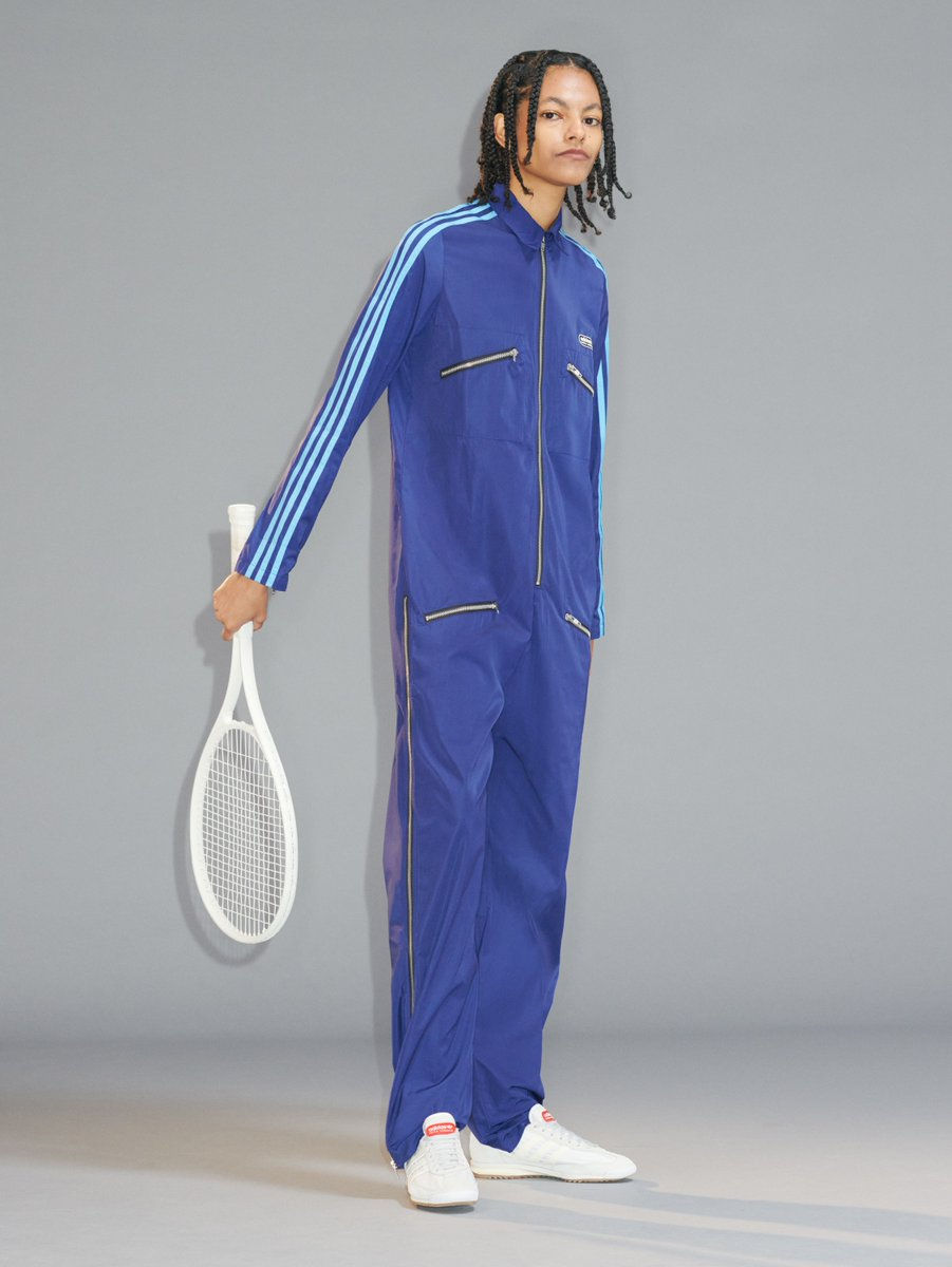 Introducing your new deranged Zoom uniform: the aristocratic tracksuit https://t.co/sbn4bRGgd5 https://t.co/EuEKrBLxcy