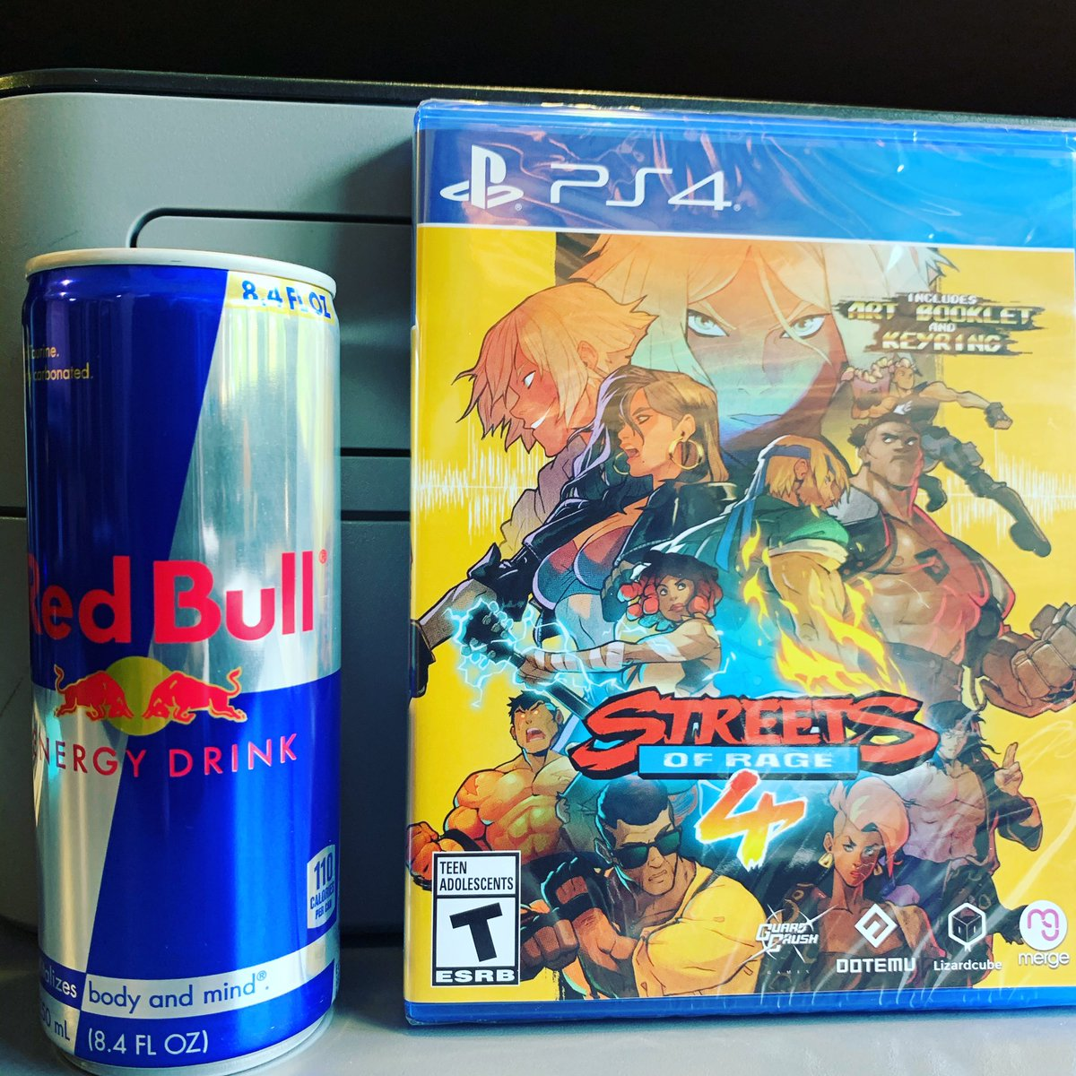 Looks like this weekend I'll be using #redbull to take on #streetsofrage4  I got to pick this up for super cheap and I know one of my friends in particular will get down on this with me. #givesyouwings #ps4 #videogames #oldschool #swag #free #stuff @redbull https://t.co/FsH9iXOLY7