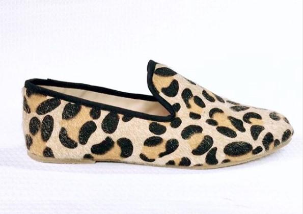 Animal Print  siempre será tendencia. Valor: $ 50.000 #anthara #shoes #moda #hechoencolombia #hechoamano #footweardesign #antharapersonalizatuestilo #shoesaddict #animalprint #zapatos #locaporloszapatos #estilo #style #nuevoscolores #color #medellin #colombia #handmadepic.twitter.com/QyMPL6jQl3