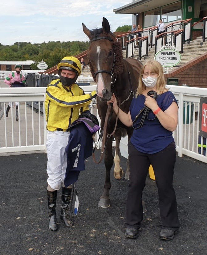 Dreaming Blue gets clear run this time to win at Wolverhampton. Well done to owner Sheikh Rashid, ridden by Tony and polished by star Tina. Well done all