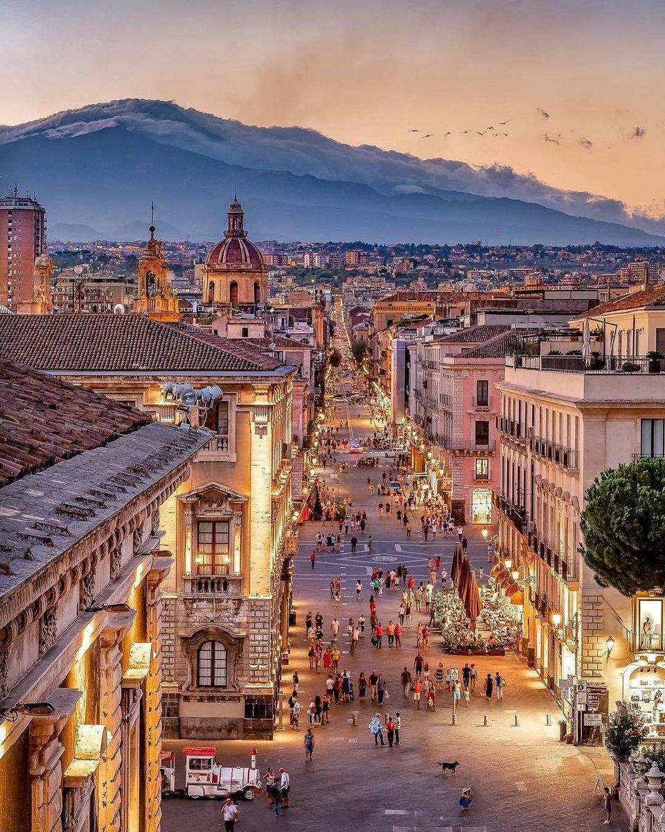 Land of my father and grandfather #Catania  #Sicilia  #Italiapic.twitter.com/I9xA1PjzuB