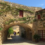 Image for the Tweet beginning: Peratallada - Girona