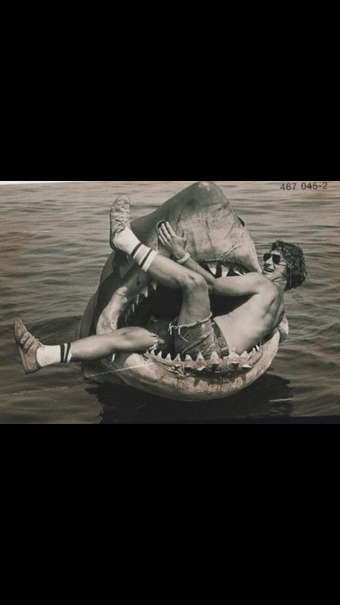 "Spielberg, 27 at the time, feared everyday on the troublesome set of ""Jaws"" that the movie would bomb, and be the end of his career as a filmmaker #jaws #brucetheshark #moviecandids #summerblockbuster #greatwhitesharks #behindthescenes #moviefacts #spielberg #sharkmovies https://t.co/QzEjIe6FlD"