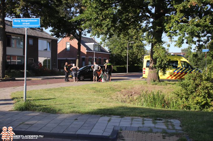 Fietsster gewond na ongeluk Endeldijk https://t.co/cwFMp2dVxQ https://t.co/sim9UP78MI