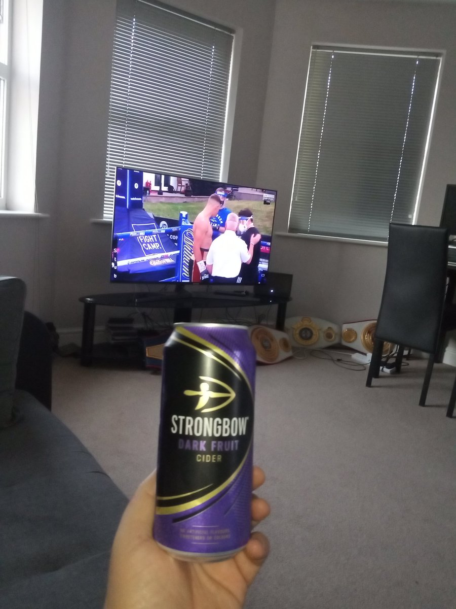 Cider chilled, boxing on the box and hopefully a @TerriHarper96  win. #fightcamp #boxingisback #MatchroomBoxingpic.twitter.com/bPcaZk26Z1