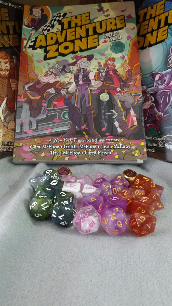 Hey, @dieharddice and @McElroyFamily . I am in love with these dice and these books. I think they go together real well.pic.twitter.com/HStx5uVWxA