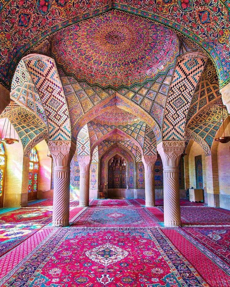 This is our culture, the culture of an ancient country that grew and matured in the shadow of  love of Ali, the harmony of all colors to reach the oven of God's light. #LiveLikeAli #Iran pic.twitter.com/aOiwzPriwP