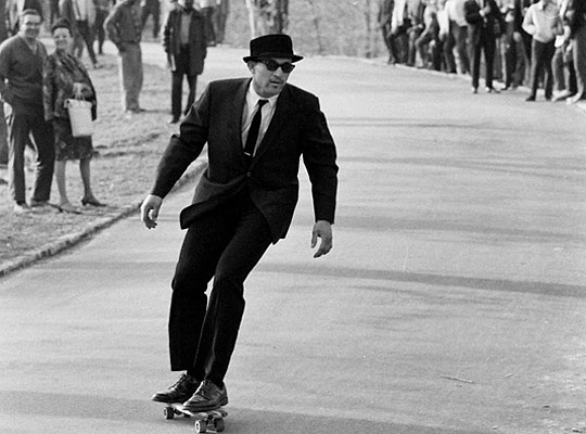 1960's NYC skate photos by Bill Eppridge https://t.co/sjika3Fbll https://t.co/7YtXfW08uD