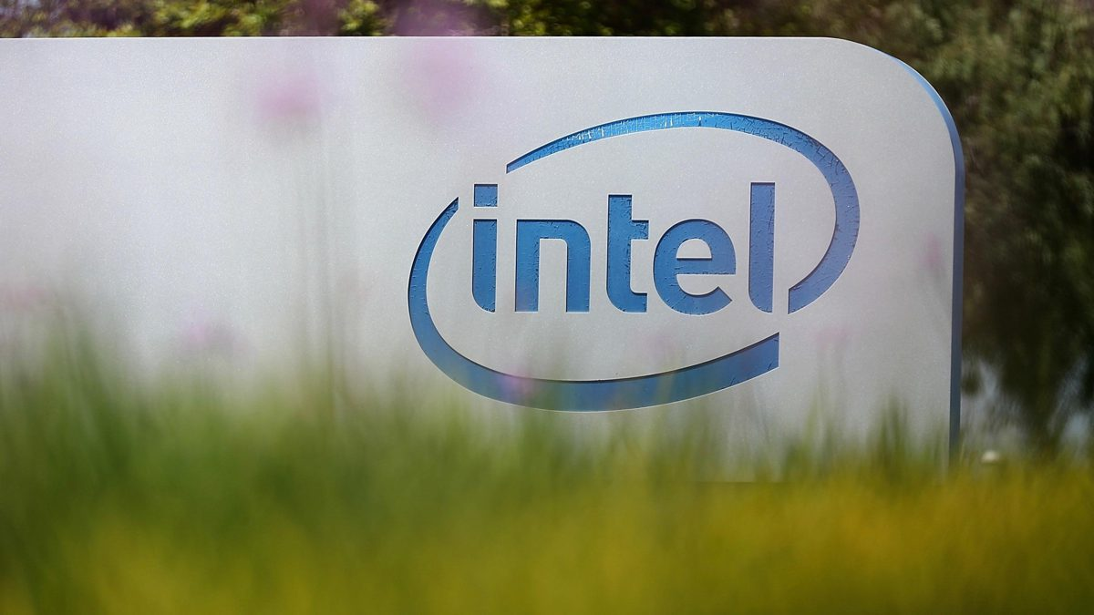 It remains unclear if the files contain any real trade secrets. Intel is also pointing out the dumped documents were already in circulation among some third-party PC manufacturers. #androiddeveloper https://in.pcmag.com/encryption/137444/intel-is-investigating-a-20gb-leak-of-the-companys-confidential-files…pic.twitter.com/YcZf7VukZj