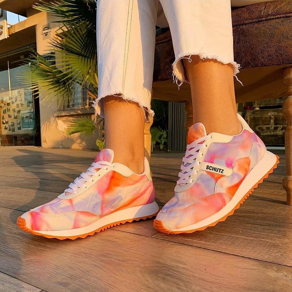 Tie Dye @schutzoficial . . . . . . . #instashoes #estilo #tendencia #modafeminina #melhoresmarcas #instamoda #novidades #loveshoes #shoes #sapatos #sapatosfemininos #fashion #sapatonovo #amo #donnacanela #girls #schutz #schutzlovers #becauseschutz … https://instagr.am/p/CDm3tJfBCPM/pic.twitter.com/H24ywoPmff
