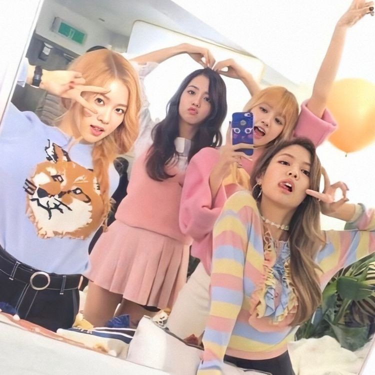 dostalam: blackpink czy stanuje: yes od: as if it your last bias: jisoo<3<3  daj emoji a dam ci zespol anyway #FOUReverWithBLACKPINK <333pic.twitter.com/RKkdu8pOds