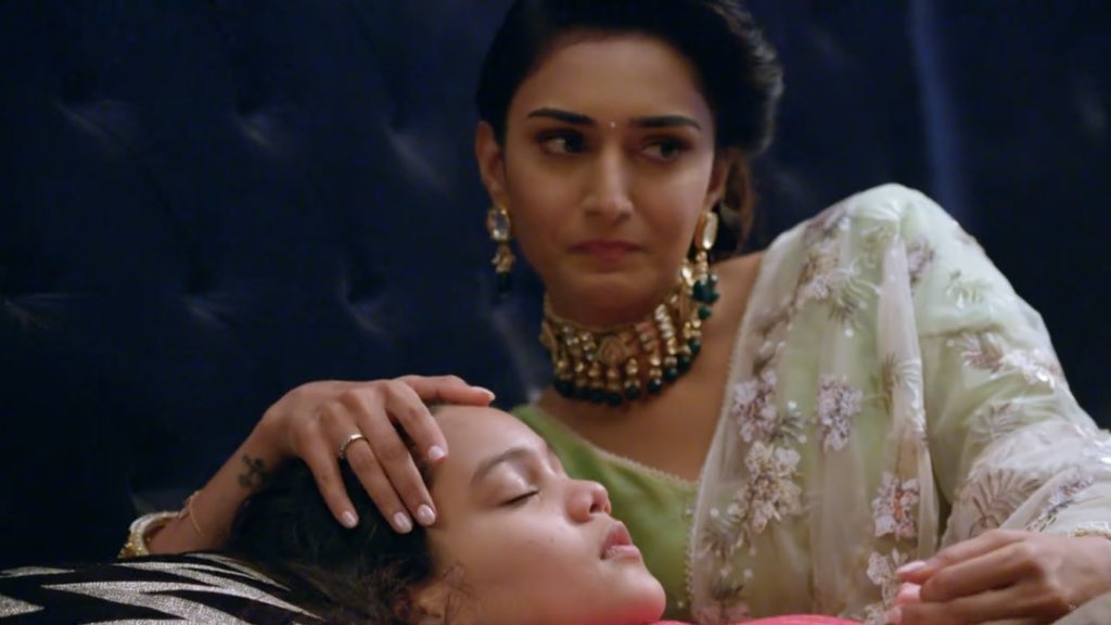 #EricaFernandes, this is not done. I was literally in tears when the episode ended. Every unbiased audience could connect to the grieving mother #Prerna and that is bcos of ur brilliant, outstanding, phenomenal & impactful performance.  Take a bow @IamEJF  #KasautiiZindagiikaypic.twitter.com/irmuIeQ043
