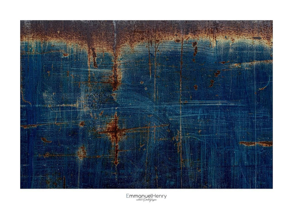 XX - CCXLVIII - Vieux bleu  #abstrait, #Art, #EmmanuelHenry, #france, #graphique, #minimalisme, #minimaliste, #nikon, #nikonfr, #Photooftheday, #PhotosDesVosges, #TeamNikon #abstractphotography #decorationinterieur #homedecor #decoration #tableauabstrait #tableau #bleu www.e…pic.twitter.com/vIyfI0C2ND
