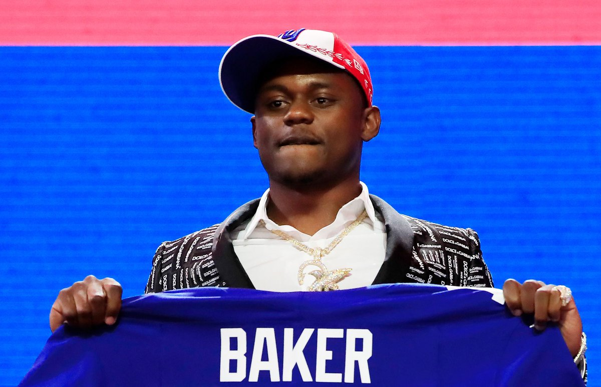 The #NYGiants' secondary gets more bad news as DeAndre Baker charged with 4 counts of armed robbery with a firearm #NFL #NewYorkGiants https://buff.ly/3fJ44znpic.twitter.com/RO5yf9I2cM