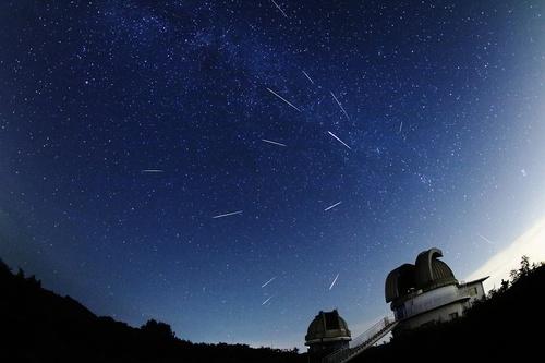 3000RT:【天体観測】ペルセウス座流星群が極大に、11~13日の深夜が見ごろ12日夜に最も多くの流星が出現するが、11日と13日夜も普段より多くの流星を観察することができるという。