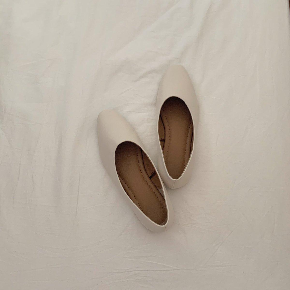 GUのVカットシフォンフラットシューズ大正解。GUの靴は可愛いのにすぐ脱げちゃう印象があったんだけど、ちゃんとフィットしてくれるし韓国っぽくて好き。