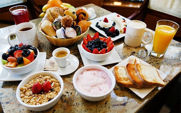 LOVE CHAIN   SATURDAY, August 07. Good day my dear subscribers. Your breakfast is served. This morning, it is 18 degrees celcius in Montreal. News is available on Twitter on the small table. It's 5:21. How are you? Say it to me.🌹🌹🌹 https://t.co/z6TPCsjW5c