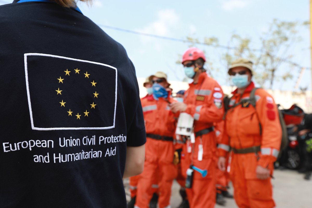 Teams from #EUCivPro 🇪🇺 - including personnel from 🇸🇪 - are on the ground in Beirut trying to help the people of 🇱🇧.