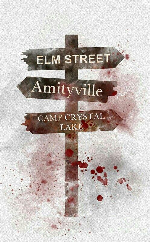 Which way will you take...?  #horror #horrormovies #ghastlywoodspic.twitter.com/fIZ8VJr2VA