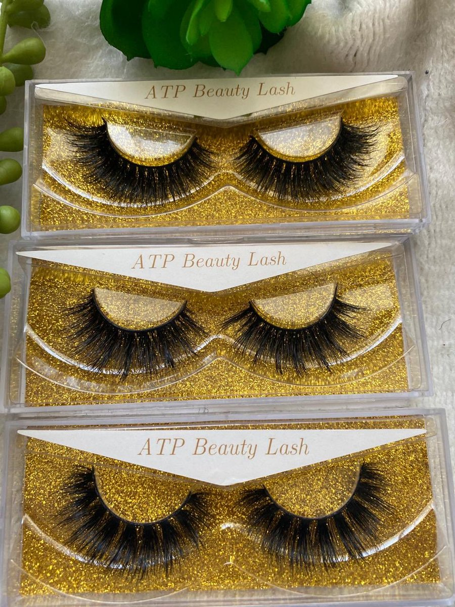 All our 3 different types of lashes available and ready. Which one is your favorite? We love them all #lashes #lashesonfleek #3dminklashespic.twitter.com/1Ns3xqcMn4