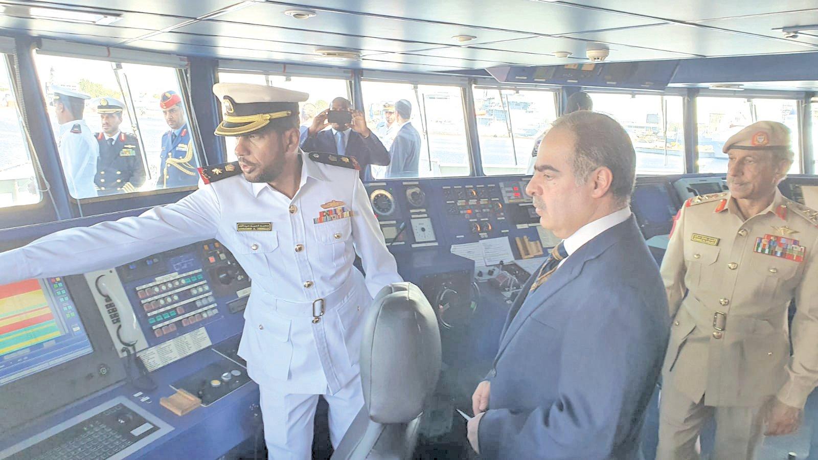 البحرين ممثلة بقوة الدفاع تتسلم سفينة الدورية الحربية (الزبارة) Ee4LtyUXoAIwzYL?format=jpg&name=large