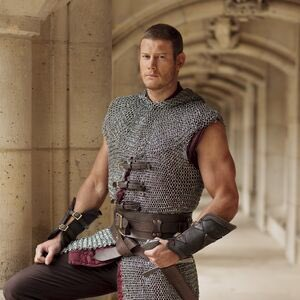 two of my favorite himbos are played by tom hopper. coincidence?? https://t.co/h5vOnYc4Nl