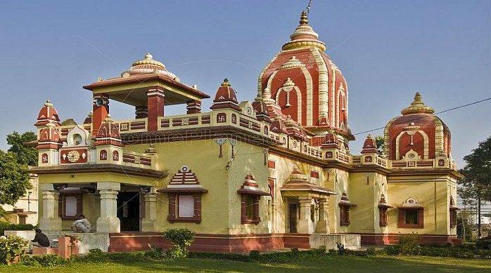 #DidYouKnow: 'Treta ke Thakur' #temple, at Naya Ghat #Ayodhya & dedicated to Lord #Ram, was rebuilt around 300 years ago, by King of Kullu, and in 1784, the legendary Queen Ahilyabai Holkar of #Indore renovated this temple !! 1/5   #IndoreRocks http://IndoreRocks.com !!!pic.twitter.com/xi0TNwLjeC