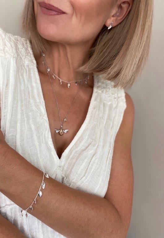 Everything goes with white #LoveKitHeath and bring stunning #BritishDesigned #Silver into your wardrobe. Kit Heath, it is a #WayOfLife #StyleBlog #ShopTheLook #SummerStyle #Influencer #FashionBlog #Jewelry #Saturday #White #WearWhite #Colourpic.twitter.com/tsdK69ULWU