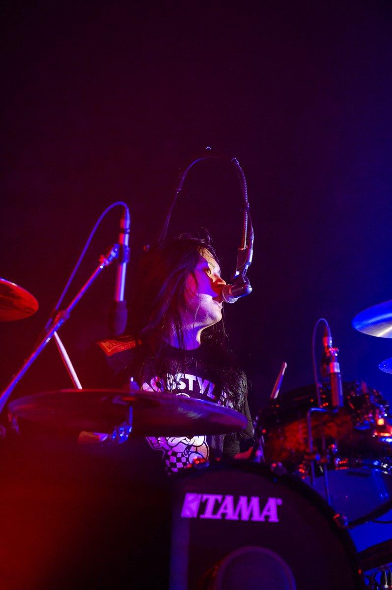 "Osaka Music DAYS!!! THE LIVE in 大阪城ホールLIVE PHOTO📸2020.8.8(土)●ヤバイTシャツ屋さん#OMD2020#osakamusicdays#ヤバイTシャツ屋さんPhoto by Yukihide""JON..."" Takimoto"
