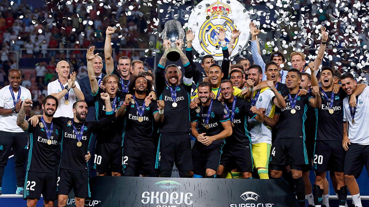 🏆✨⏳ ¡Se cumplen tres años de nuestra 4️⃣a Supercopa de Europa! ⚽ Ganamos 2-1 al @ManUtd_Es gracias a los tantos de @Casemiro e @isco_alarcon. #RMHistory | #RealFootball https://t.co/jg3QzyHH4Y