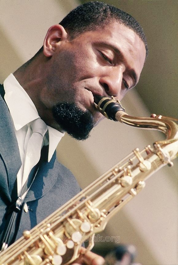Sonny Rollins at The Newport Jazz Festival, 1960 Photo: Larence Shustak #jazz #jazzgiants #tenorsax