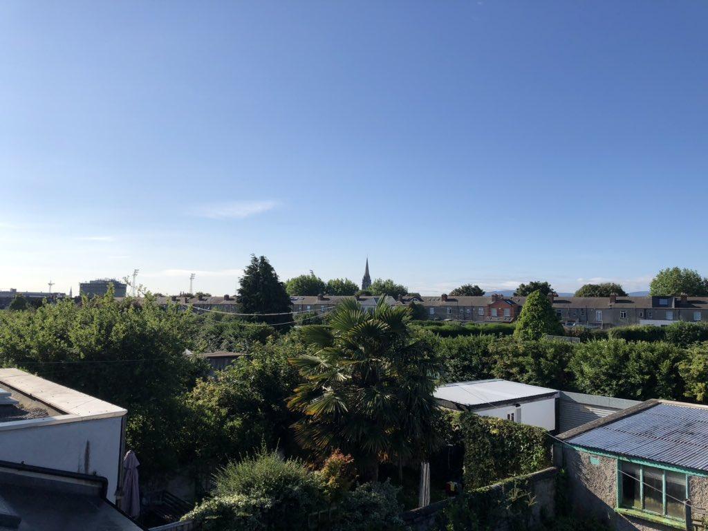 Lovely morning over old Phibsboro. #dublin7 https://t.co/1spvqxpODP