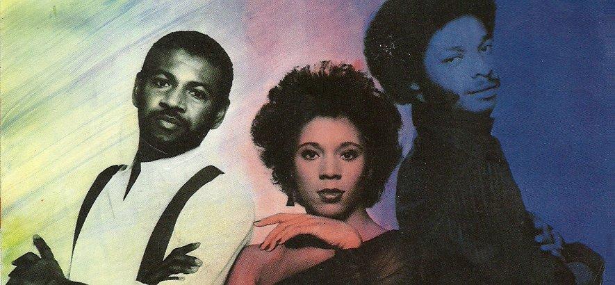 """test Twitter Media - Zu 808-Funk transformierten C.O.D. mit """"In The Bottle"""" im Jahr 1983 einen Hit von Gil Scott-Heron. Unser Track des Tages am #808day! → https://t.co/9Wh87arTZs https://t.co/vIZAVSAPKb"""