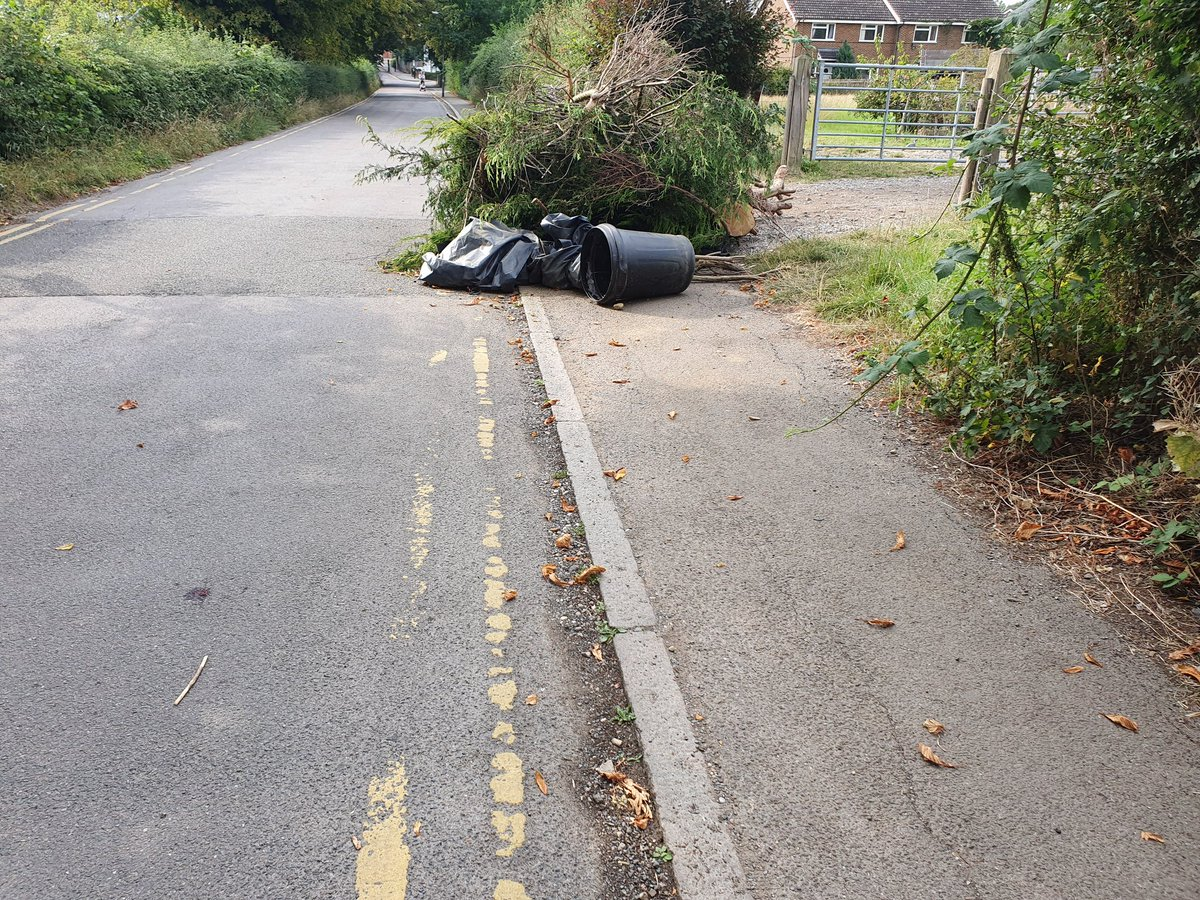 @reigatebanstead @BarbaraT09 Thursday 6 August 12.34 received this Dear Customer,  Further to your recent report, I am pleased to inform you that the matter is now concluded and we have closed your report.  Regards  The Joint Enforcement Team  Today, 8 August it is clear that email wrong https://t.co/Zg0AfIgo3W