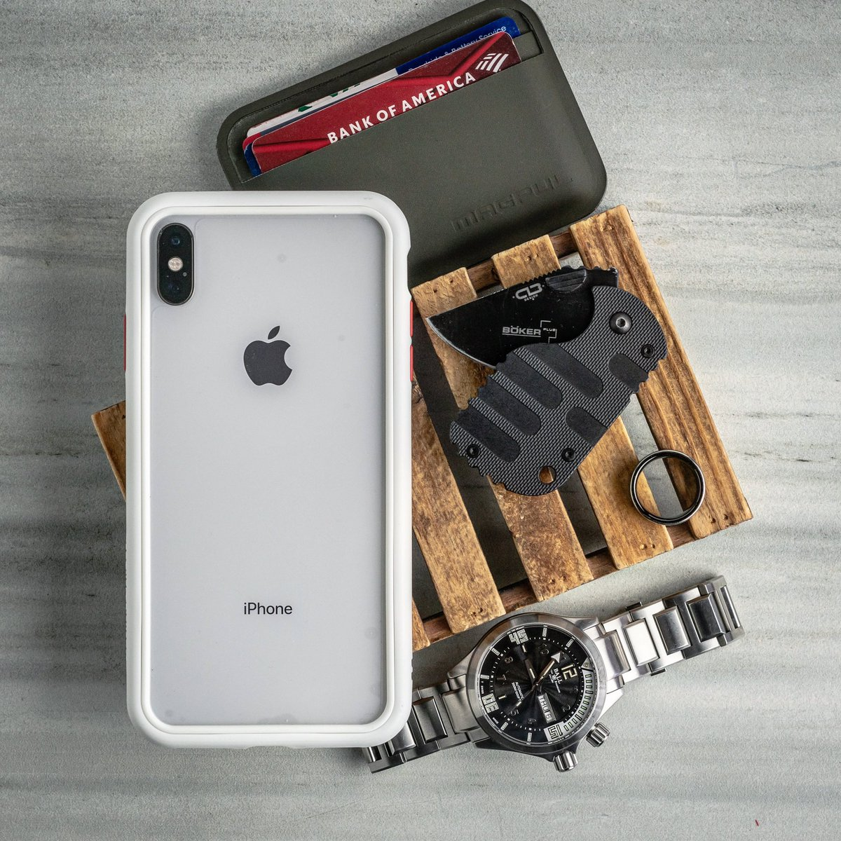 """"""" Weekend Goodies """"  Prep for the day... Looks like it's gonna be a good one! Cheers   - #RhinoShield #PhoneCase #iPhoneXSMax #BallWatch #SwissWatch #AutomaticWatches #Boker #EverydayCarry #EDCpic.twitter.com/R4gq7ow9qn"""