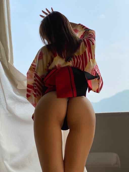 グラビアアイドル粕谷まいのTwitter自撮りエロ画像16