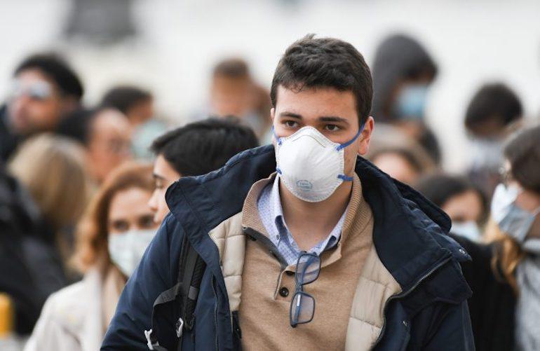 #Contagi in risalita negli ultimi giorni: solo ieri 552 nuovi casi. Sotto osservazione alcuni focolai. Verso proroga per le misure sull'obbligo di mascherine e distanziamento  Al #Tg2Rai delle 13.00 del #8agosto #coronavirus https://t.co/hHPdlni2MC