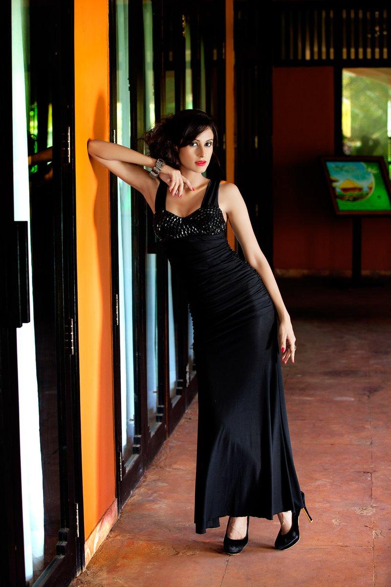 Pic Courtesy @a_rrajani  #dress #beauty #fashion  #performingarts #photography #Photoshoot #photoeveryday #dresses #beautysecret  #lifestyleblogger #photooftheday #fashioninsta #fashionphotography #style #lookoftheday #stylists pic.twitter.com/4FPk5xT46a