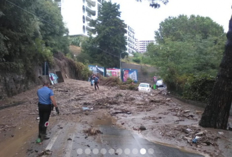 Bomba d'acqua a Messina, frana la collina sopra la Panoramica dello Stretto, zona nord bloccata - https://t.co/6s9s1nTsy0 #blogsicilianotizie