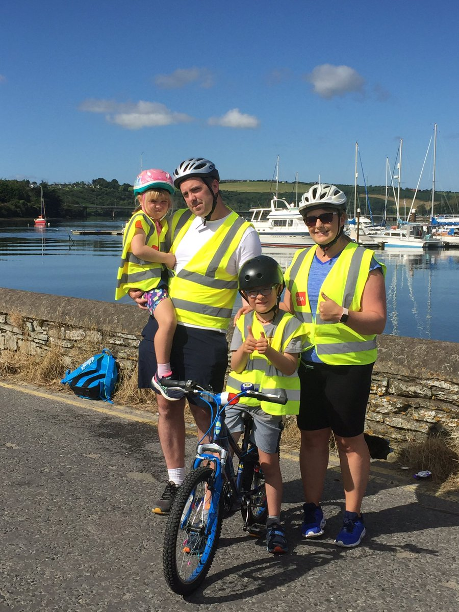 Harry his sister Chloe snd his parents finished the last leg of their cycle in Kinsale. The sun was shining on everyone what an amazing campaign and a true super hero to families with AUTISM ! #asiam #Autism #corkbeo #adamharris #brendanoconnor #96fm #corkcitycouncil https://t.co/kkOM02c69D