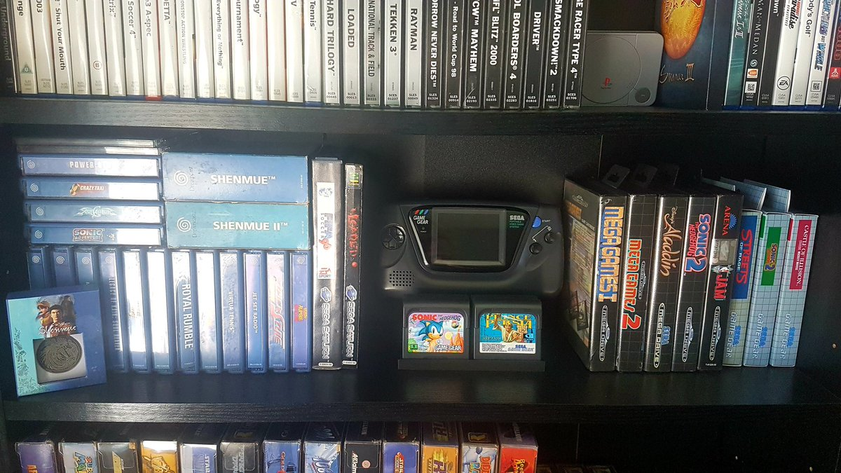 Couple of pics of the #Sega shelf, a few additions and it will be finished.  #GamersUnite #ShareYourGames #retrogaming #SegaSaturdaypic.twitter.com/Nxd8e9ZOa8