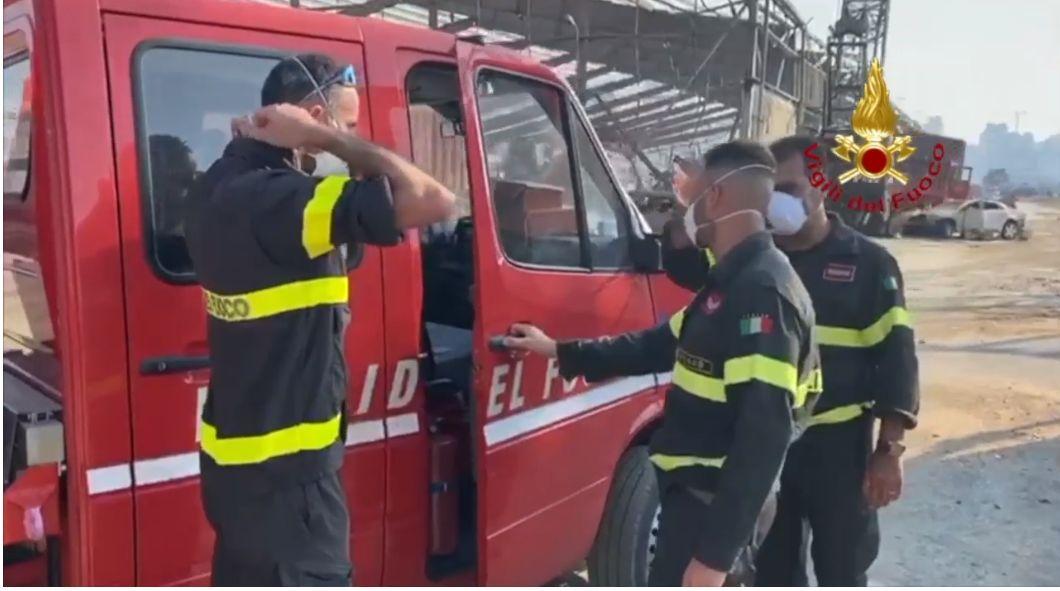 #Treviso i vigili del fuoco nell'inferno del #Liba...