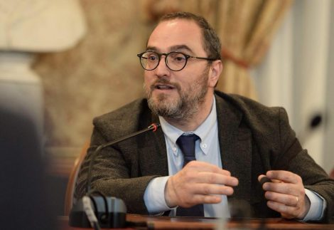 """Maggioranza spaccata in consiglio comunale, Catania """"Ci sono due idee diverse di città, Orlando decida cosa vuol fare"""" - https://t.co/YwKESsMYS3 #blogsicilianotizie"""